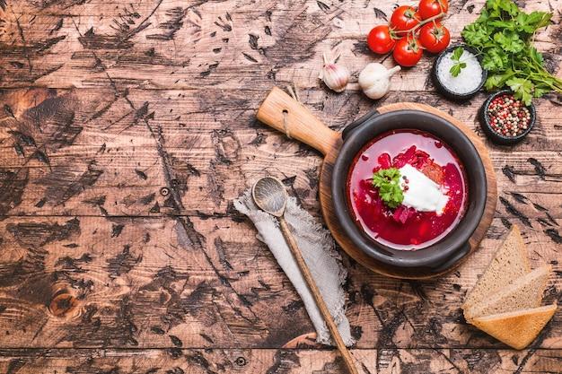 Zelfgemaakte russische oekraïense en poolse nationale soep