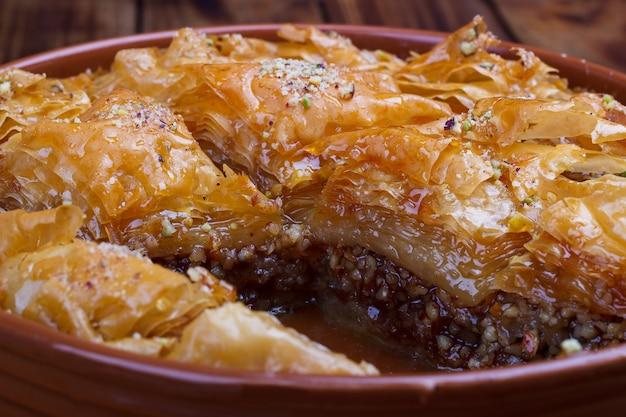 Zelfgemaakte traditionele baklava