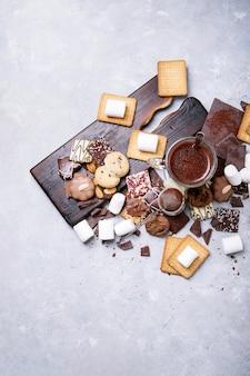 Zelfgemaakte warme chocolademelk