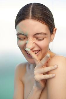 Zelfzorg concept close-up gelukkige vrouw