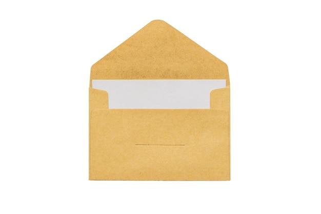 Zes gesloten en één open post enveloppen op een blauwe achtergrond. plat leggen.