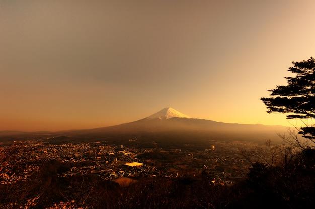 Zet fuji op bij zonsondergang