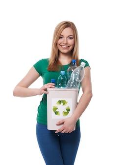 Zet plastic fles voor rechter bak