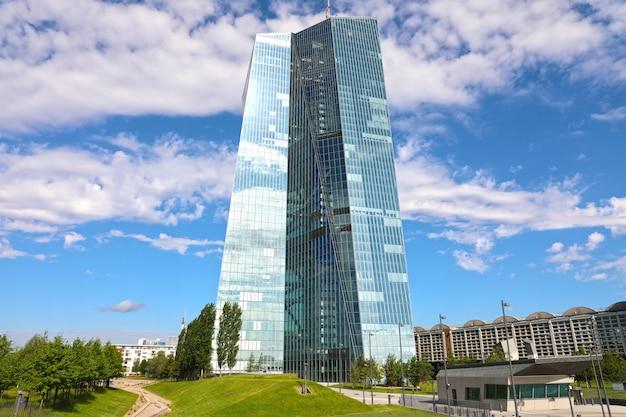 Zetel van de europese centrale bank in frankfurt, duitsland