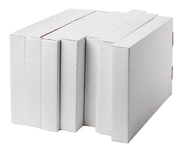 Zeven platte dozen geïsoleerd