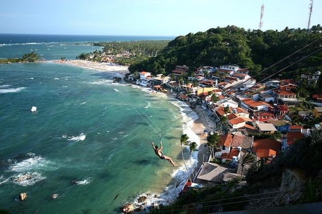 Zicht op het eerste, tweede en derde strand vanaf de vuurtoren. morro de sao paulo. brazilië.