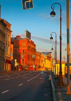 Zicht op st. petersburg in de ochtend