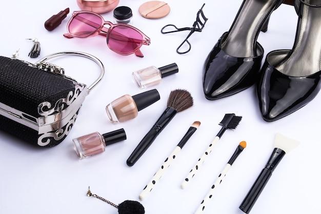 Ziet er goed uit een set make-up en modeaccessoires voor dames