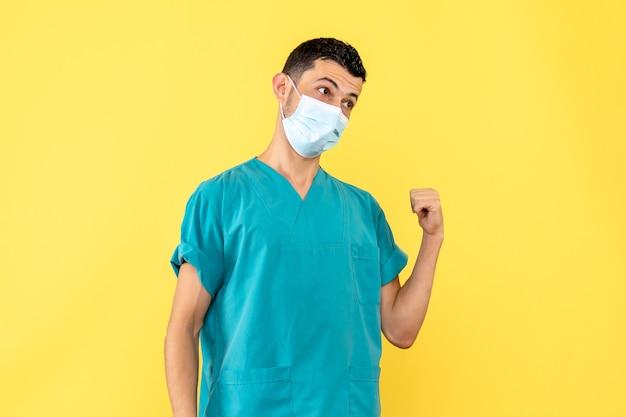 Zijaanzicht een dokter een dokter in masker is boos op mensen die geen maskers dragen