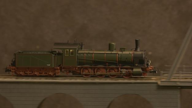 Zijaanzicht lokomotief trein op de brug.