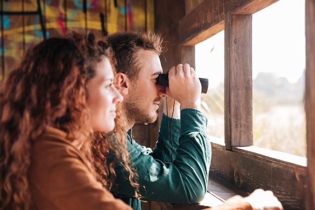 Zijdelings paar in een schuilplaats