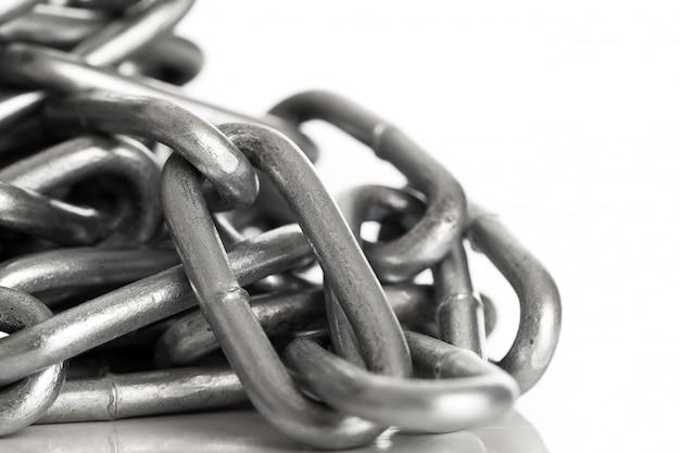 Zilveren metalen ketting