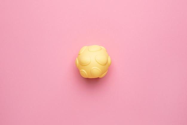 Zintuiglijke bal voor baby en kinderen, massage met zachte textuurbal, ontwikkel de tactiele zintuigen van de baby speelgoed voor baby touch hand bovenaanzicht