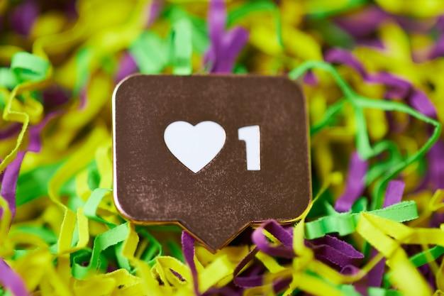 Zoals hartsymbool in confetti Premium Foto