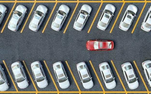 Zoek een parkeerplaats. veel auto's geparkeerd