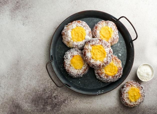 Zoet broodje van noorwegen skoleboller, traditioneel skandinavisch gebakje