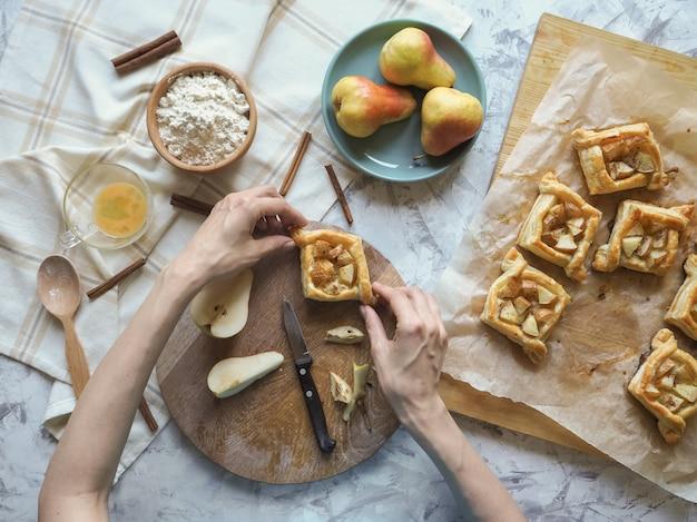 Zoet broodjesdeeg maken. bladerdeeg taarten.