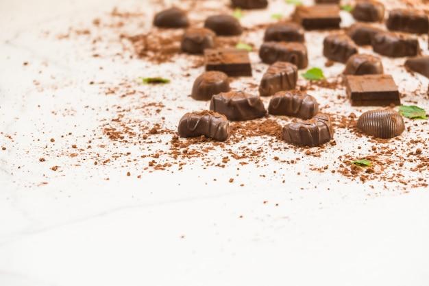 Zoet dessert met donkere chocolade