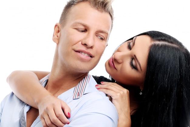Zoet en sexy paar dat een fotosessie in studio heeft
