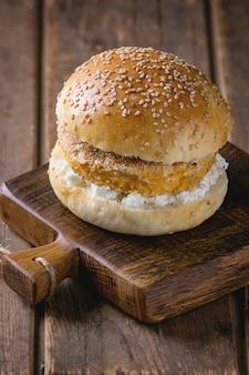Zoete aardappel veggie hamburger