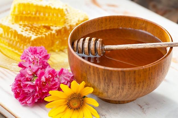 Zoete bijenhoning