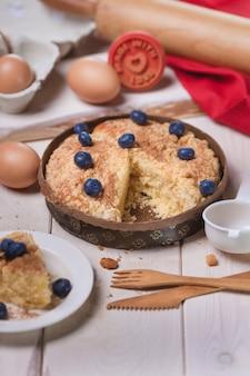 Zoete cake bakken met bosbessen