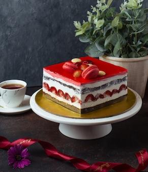 Zoete cake op de tafel