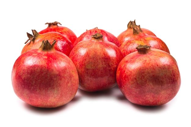 Zoete granaatappels geïsoleerd