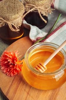 Zoete honing in glazen pot
