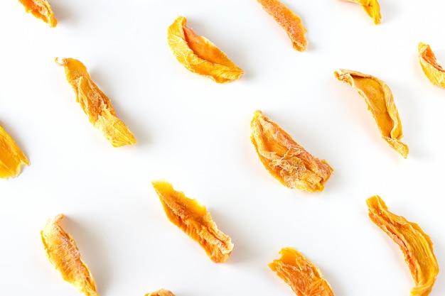 Zoete rauwe biologische gedroogde mango.