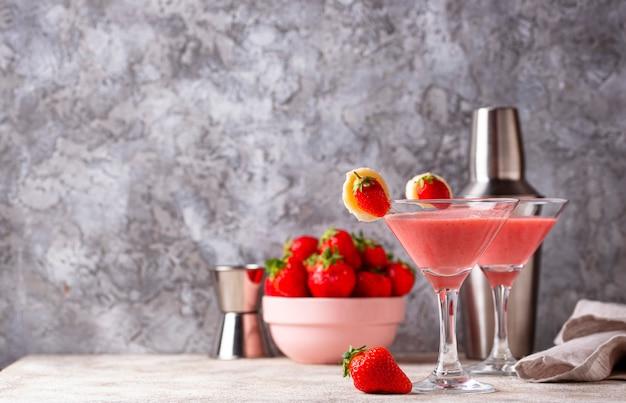 Zoete zomer aardbei alcoholische cocktail