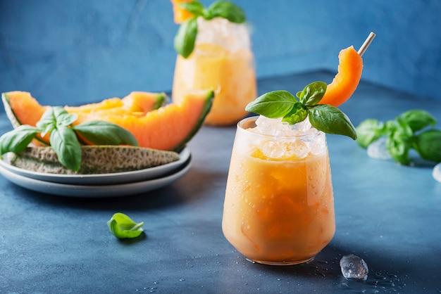 Zoete zomerlikeur met meloen