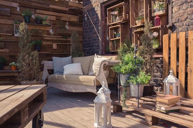 Zoldertuinontwerp van veranda