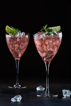 Zomer cocktail met rose wijn
