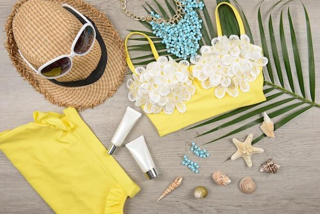 Zomer- en zonnebrandcrème, beautycosmetica-product voor huidverzorging en vrouwentoebehoren