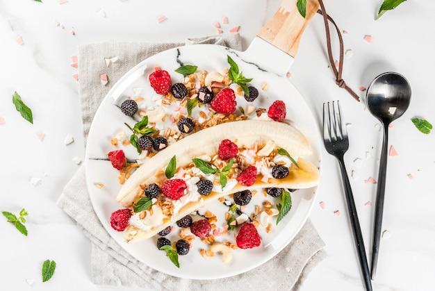 Zomer fruit bessen ontbijt