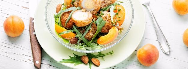 Zomerse salade met abrikoos