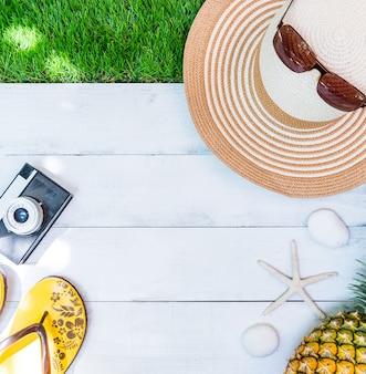 Zomerseizoen op het strand. ontspannen vakantie en kopieer ruimte voor tekst