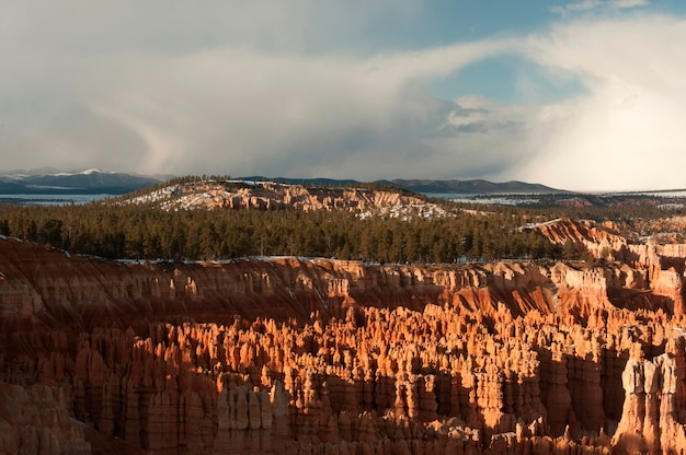 Zonlicht op canyon rock formatie