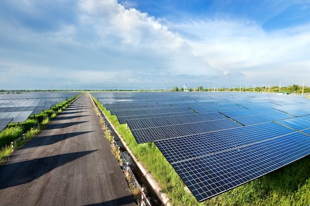Zonne-energiecentrale bovenaanzicht