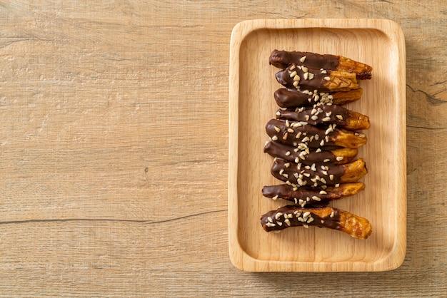 Zonne-zongedroogde banaan chocolade coating of banaan gedompelde chocolade