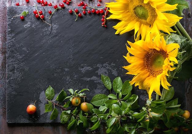 Zonnebloemen met bessen