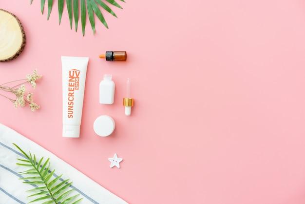 Zonnebrandcrème fles, mockup van schoonheidsproduct merk
