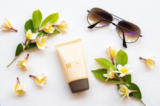 Zonnebrandcrème spf cosmetica gezondheidszorg voor huid gezicht