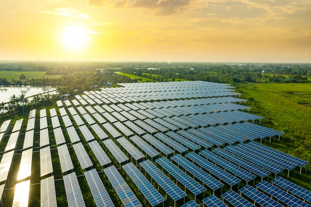 Zonnepaneel, fotovoltaïsche, alternatieve elektriciteitsbron - concept van duurzame bronnen