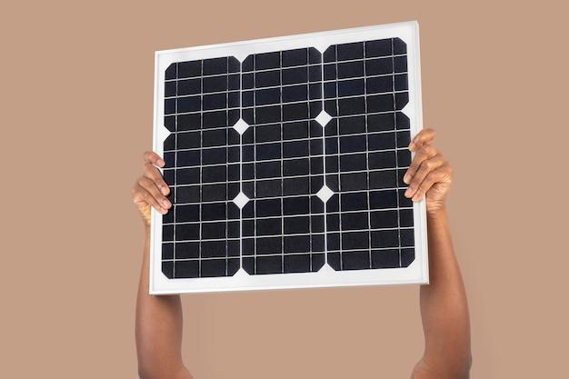 Zonnepaneel hand hernieuwbare energie milieu