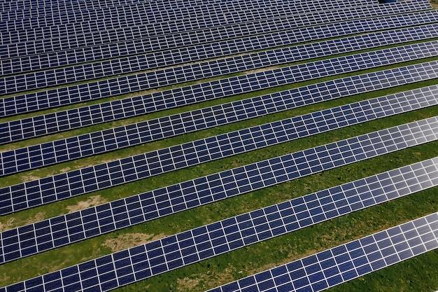Zonnepaneel produceert groene, milieuvriendelijke energie.