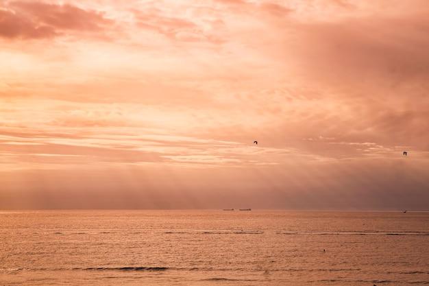 Zonsondergang aan de baltische zee