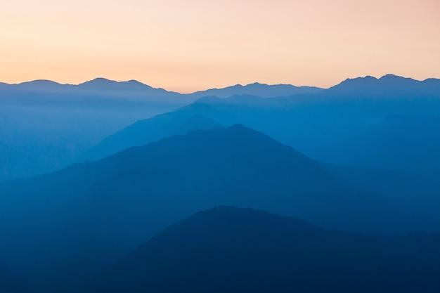 Zonsondergang in de himalaya