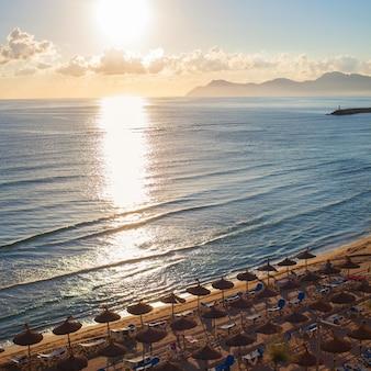 Zonsondergang op het strand van can picafort